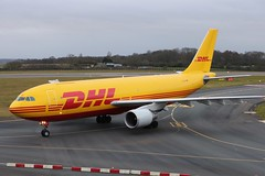 D-AEAF Airbus A300-622RF DHL (R.K.C. Photography) Tags: daeaf airbus a300 a300622rf dhl qy bcs eatleipzig german aviation aircraft airliner cargo freighter luton bedfordshire unitedkingdom uk aviationphotography londonlutonairport ltn eggw canoneos750d