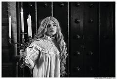 Die Alone (Matías Brëa) Tags: retrato portrait mujer woman girl blanco y negro black white bnw mono monochrome monocromo