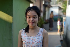 pretty girl in the street (the foreign photographer - ฝรั่งถ่) Tags: pretty girl child street khlong lard phrao portraits bangkhen bangkok thailand nikon d3200
