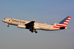 (CDG) American Airline Airbus A330-200  N-282AY Takeoff runway 27L (dadie92) Tags: roissy cdg lfpg americanairline airbus a330 a330200 takeoff spotting aircraft airplane n282ay usa nikon d7100 sigma tamron 150500 danieldanel
