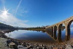 191207 EMBARCADERO DE ARIJA 004 (MAVARAS) Tags: mavaras embarcadero burgos arija spain azul cielo sky puente bridge blue sol sun