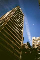 Jet Stream Across Blue Sky (wargreymoni) Tags: kodak colorplus200 analog film olympus xa2