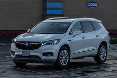 2018 Buick Enclave (mlokren) Tags: 2020 car spotting photo photography photos pic picture pics pictures pacific northwest pnw pacnw oregon usa vehicle vehicles vehicular automobile automobiles automotive transportation outdoor outdoors gm general motors 2018 buick enclave suv cuv crossover white