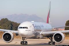 Emirates Boeing 777-21H(LR) cn 35577 / 688 A6-EWD (Clément Alloing - CAphotography) Tags: emirates boeing 77721hlr cn 35577 688 a6ewd barcelona airport barcelone lebl bcn canon 100400 spotting aeropuerto airplane aircraft 25r 07l balcon t1 flight airways aeroplane engine sky ground take off landing 5d mark iv