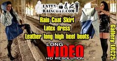 GalleryLRC25 (Tamara silkscarf) Tags: rainwear raincoat rainclothes vintagerainwear regenjacke regenjas agu agusport aguraincoat scarfqueen womenraincoat girlsraincoat