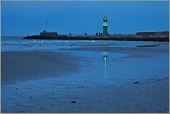 Blaue Stunde in Warnemünde (der bischheimer) Tags: warnemünde blauestunde leuchtturm lighthouse ostsee canon derbischheimer