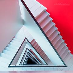 Eternal triangle (Karsten Gieselmann) Tags: 714mmf28 architektur em1markii mzuiko microfourthirds olympus treppenhaus architecture kgiesel m43 mft staircase stairs munich bavaria germany