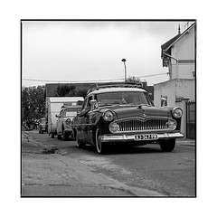 holidays • joigny, burgundy • 2019 (lem's) Tags: simca caravane trailer holiday street road route rue vacances vintage classic car automobile joigny retro bourgogne burgundy zenza bronica