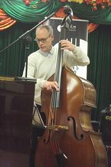 Zoe Rahman Trio (2020) 02 - Alec Dankworth (KM's Live Music shots) Tags: jazz greatbritain alecdankworth zoerahman doublebass eastsidejazzclub leytonstoneexservicemensclub
