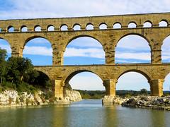 DSCN0358 (alainazer) Tags: pontdugard gard france eau acqua water ciel cielo sky pont ponte bridge architecture pierres piedras pietra stones