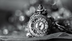 Old - 7977 (✵ΨᗩSᗰIᘉᗴ HᗴᘉS✵90 000 000 THXS) Tags: old watch blackandwhite panasonic panasonicgx9 macro bokeh belgium europa aaa namuroise look photo friends be yasminehens interest eu fr party greatphotographers lanamuroise flickering challenge