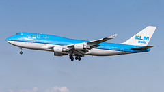 PH-BFY KLM Asia Boeing 747-400 (BOSCHH) Tags: ams airport amsterdam eham netherlands general military civil aviation aviationdaily aviationgeek canon fighter fighterjet flight fly air force airline airplane helicopter jet photo photography photos pilot plane planespotting sky spotting cockpit boeing 747 747200 747400 747sp queen skies phbfy klm asia