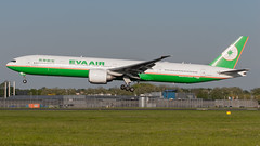 B16705 EVA Air Boeing 777-300ER (BOSCHH) Tags: ams airport amsterdam eham netherlands general military civil aviation aviationdaily aviationgeek canon fighter fighterjet flight fly air force airline airplane helicopter jet photo photography photos pilot plane planespotting sky spotting cockpit boeing 777 b16705 eva 777300er