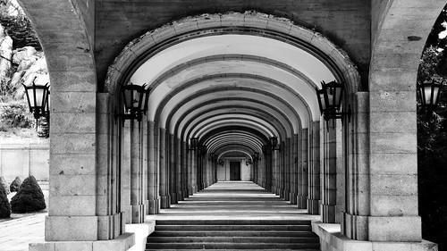 pasillos en el monasterio del Valle de los Caídos (Madrid)