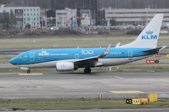 PH-BGI (vriesbde) Tags: amsterdamschiphol amsterdam schiphol eham ams phbgi boeing7377k2winglets boeing7377k2 boeing737700 boeing737 boeing 7377k2 737700 737 winglets vink finch klm 100