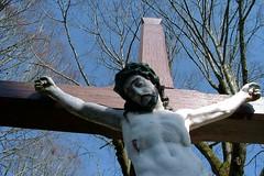 christalacouronnevertaclermondtpz (thierrypotier7) Tags: eglises patrimoine vitrail clochers dordogne aquitaine marie jesus potier thierry