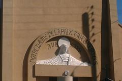 bisrepetitastpz (thierrypotier7) Tags: eglises patrimoine vitrail clochers dordogne aquitaine marie jesus potier thierry
