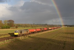 60066. Manningford Bruce. 15-01-2019 (*Steve King*) Tags: 60066 6b33 manningford murco bruce berks hants class 60 diesel train freight rainbow