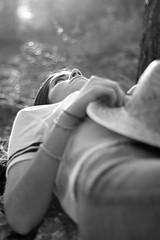 TEMPUS FUGIT (@merchelas) Tags: tempusfugit black blackwhite blancoynegro monocrome retrato portrait ensonacion bosque árboles tree trees forest delicado