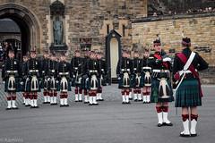 Cambio della guardia (sladkij11) Tags: edimburgo scozia guardia olympus em10 guard