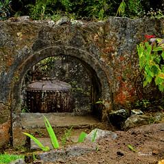 Ruines des thermes d'Hell-Bourg - Île de La Réunion (DOMVILL) Tags: hellbourg abandonné domvill fer industriel pierres rouille ruines thermes wwwflickrcompeoplevildom îledelaréunion