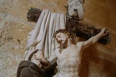 unmoineetlechristamolieretpz (thierrypotier7) Tags: eglises patrimoine vitrail clochers dordogne aquitaine marie jesus potier thierry