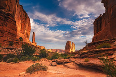 Courthouse Towers (David Ruiz Luna) Tags: blue rocks sky clouds travel summer beautiful attraction trip naturephotograph nature naturalwonder nationalpark usa america utah unitedstates moab archesnationalpark roadmovie westernparks stonecolumns thecourthousetowers parkavenuetrail landscape hikingtrail travelphotography natgeo natgeotravel touraroundtheworld maravillanatural viajar traveladdict enjoyingthelife disfrutandolavida valley populardestination fascinating beautyinnature naturephotography geologicalformation savetheworld forabetterworld geology arch naturalarchs rockformation aridclimate traveldestinations erosion
