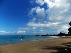 El oceano Pacífico desde la Isla del Caño/ The Pacific Ocean from Caño Island (vantcj1) Tags: oceano mar agua playa paisaje cielo nubes naturaleza rocas piedras bote barco gente personas turistas silueta vegetación sombra olas navegación viaje paseo