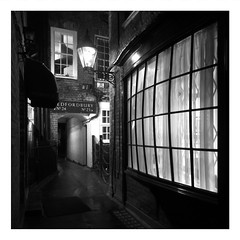 Window (Andrew H-W) Tags: 2020 london coventgarden alley dickens dickensian lamp gas bowwindow nighttime
