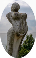 Lady in Stone (Eduard van Bergen) Tags: lady stone sculpture naakt naked busen bosom boezem beeld kasteel park utrecht vrouw frau woman art impression holland netherlands heemstede castle garden chiseled bild form vorm amorph amorf