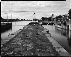 Welland Canal, Welland Ontario, Canada (Time Share) Tags: eastmanviewcamerano2 eastmankodakco 8x10viewcamera schneiderkreuznachgclaron210mmf90lens 8x10negativescan aristaedu10025isod76118mins 8x10 largeformat wellandcanal canada ontario 8x10film filmcamera film