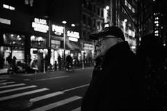 D04_2659 (drkotaku) Tags: newyorkcity manhattan photography streetphotography nikon nikond4 nikonafsnikkor2470f28ged bw blackandwhite blackandwhitephotography