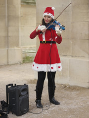 Christmas violinist girl (pivapao's citylife flavors) Tags: paris france girl louvre streetartist beauties