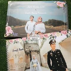 Guest Book Agna & Agung Tanya-tanya, atau info lebih lanjut hubungi : ☎ WA : 08561410064 Line : nikahgeh Desain bisa cek di 👉 http://bit.ly/2rnZvXk #nikahgeh #weddingserang #undanganserang #infoserang #undanganminimalis #guestbook #bukutamu #t (NikahGeh) Tags: instagram nikahgeh invitation