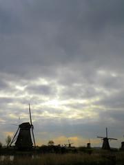 DSCN0819 (alainazer) Tags: kinderdijk nederland paysbas holland hollande moulin mulino moinhos mühlen mills windmill ciel cielo sky