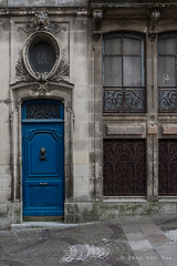 """LA"" (Ivan van Nek) Tags: france frankrijk frankreich pyrénéesatlantiques nikond7200 d7200 sigma1770 2019 porte doorsandwindows deur portesetfenêtres ramenendeuren architecture architektur architectuur"