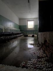 frozen stiff (Urban Tomb Raider) Tags: urbex urbanexploration urbanexploring decay abandoned abandonedhotel abandonedfdgb urbexgermany urbandecay beautyofdecay canon650d