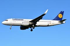 D-AIUS Airbus A320-214 Lufthansa (BRU/EBBR) (geoffrey.zdcki) Tags: spotting spotter landing aviation avion nikon bru brussels belgium brusselsairport bruxelles belgique ebbr daius lufthansa airbus a320 a320214 lh