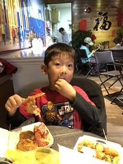 2020.1.5 大溪老街 (amydon531) Tags: baby boys kids brothers justin jarvis family cute taiwan 大溪 老街 大溪老街