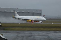 EC-MKO wet landing. (aitch tee) Tags: vueling ecmko landing weather wet spray cardiffairport aircraftspotting aviation cwlegff maesawyrcaerdydd walesuk thetutuproject namedaircraft airbus a320