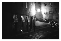 *Alfama. (niko**) Tags: konica hexarrf leica noctilux50mmf10 kodak trix400 135 35mm filmphotography lisboa lisbon alfama ruadasescolasgerais fivedaysinlisbon