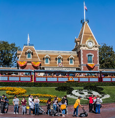 one last trip to disneyland (pbo31) Tags: disneyland nikon d810 color october 2019 la patrix siemer boury pbo31 trip park adventure anaheim california train station ride