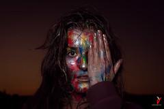 Dark and colorful. Dark beauty. (Carlos Velayos) Tags: retrato portrait mujer woman chica girl color colorful colorido strobist mirada gaze