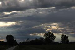 Dopo la tempesta (lincerosso) Tags: termporale storm tempesta nembi nuvole clouds campagna paesaggio landscape paesaggioceleste luce bellezza armonia