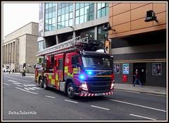 Scottish Fire and Rescue Service Volvo SF18 WJB (DeltaJulietKilo) Tags: scottish fire rescue service volvo ladders renfrew street blues twos emergency