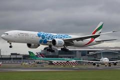 Emirates A6-EPK DUB 22/08/19 (ethana23) Tags: planes planespotting aviation avgeek aircraft aeroplane airplane boeing 777 777300er emirates
