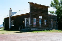 the henry store (Marc Rodriguez 24) Tags: 35mm color negative film f3hp ais analog henrychester country store