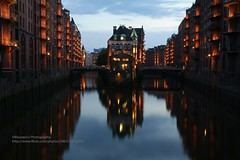 Hamburg, Speicherstadt, after sunset (blauepics) Tags: deutschland germany hamburg stadtstaat stadt city northern norddeutschland buildings gebäude architecture architektur houses häuser colours farben facade fassade speicherstadt unesco weltkulturerbe world heritage site symmetries symmetrien windows fenster blauer himmel elbe river fluss water wasser reflections spiegelung night nacht