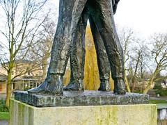 Legs (Hindrik S) Tags: legs skonken benen beine four fjouwer vier quatre jambes monument monumint prinsetún prinsentuin detail sculpture brons brûns bronze statue beeld byld liwwadden ljouwert leeuwarden sonyphotographing sony sonyalpha a77ii α77 slta77ii sonya77ii sonyilca77m2 sony1650mmf28dtssm sal1650 on1photoraw2019 on1pics 2020