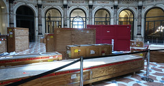 Moving day (Bosc d'Anjou) Tags: milan milano italy museum gallerieditalia moving
